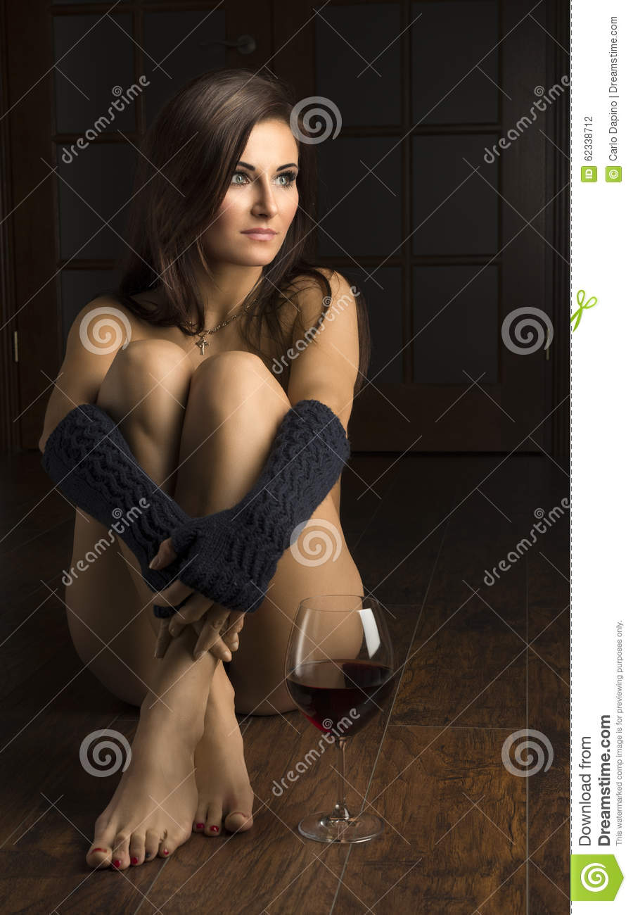sexy nude girls wine