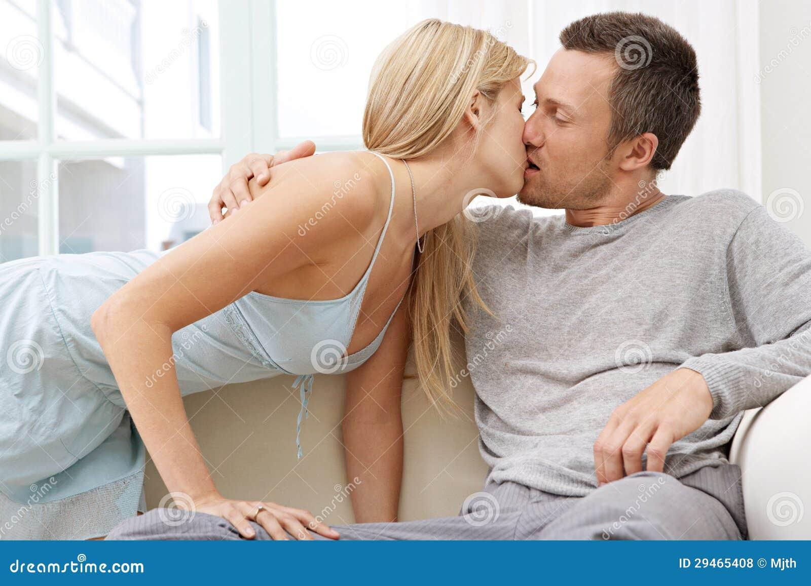 Indisches Paar Fickt Auf Dem Sofa