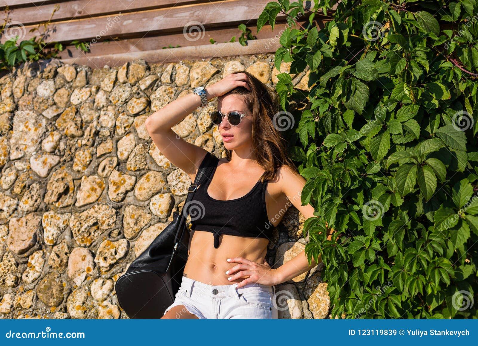 Busty nude brunet woman