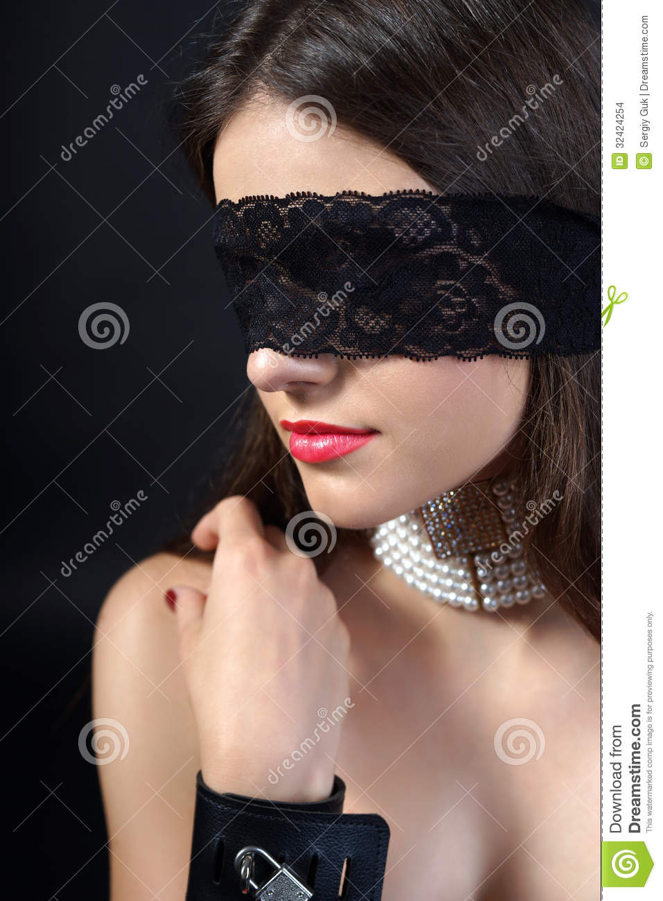 Blindfold Sexy 79