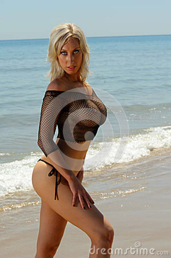 Sexy topless women on the beach pics can not
