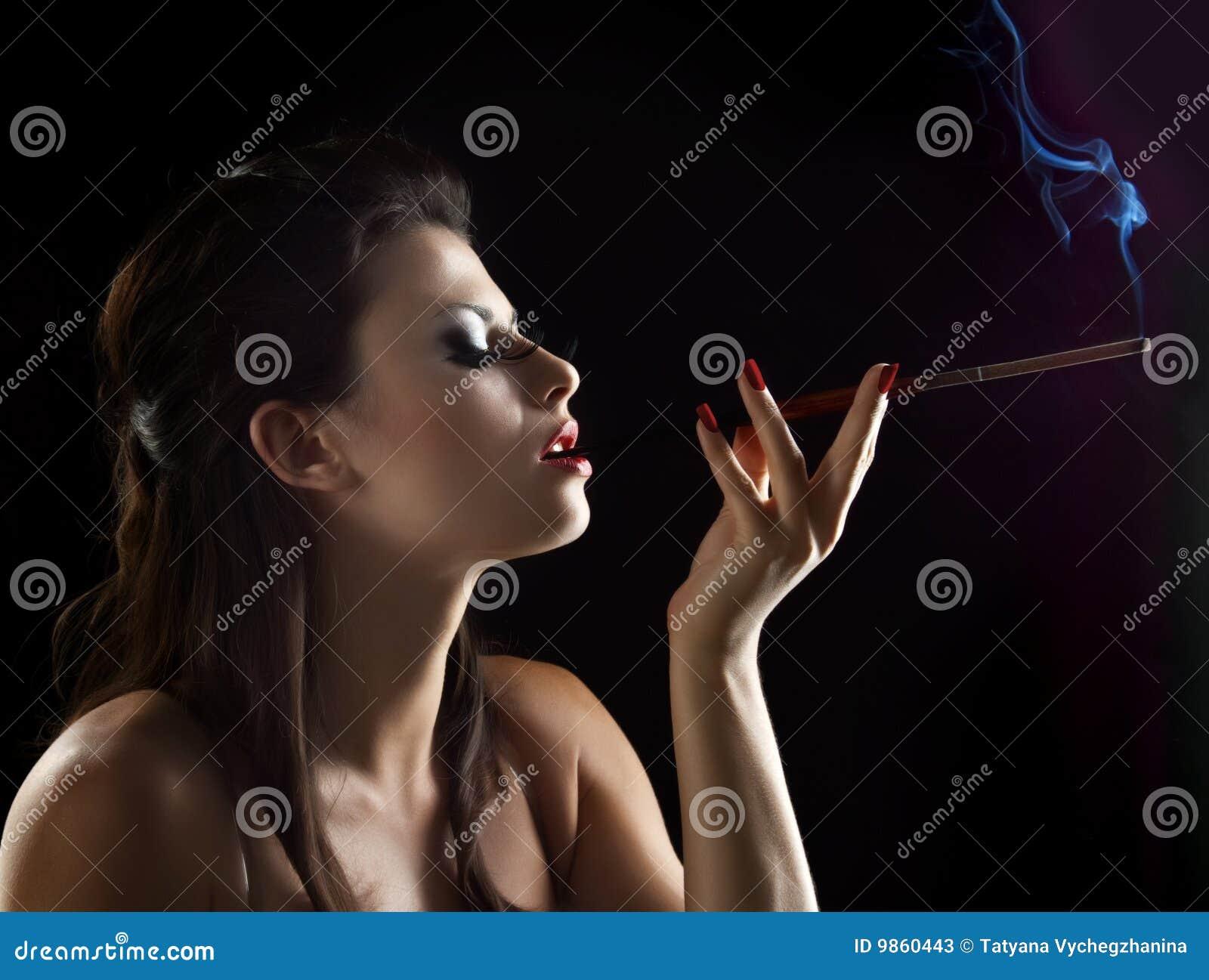 Sexy vrouw met mondstuk