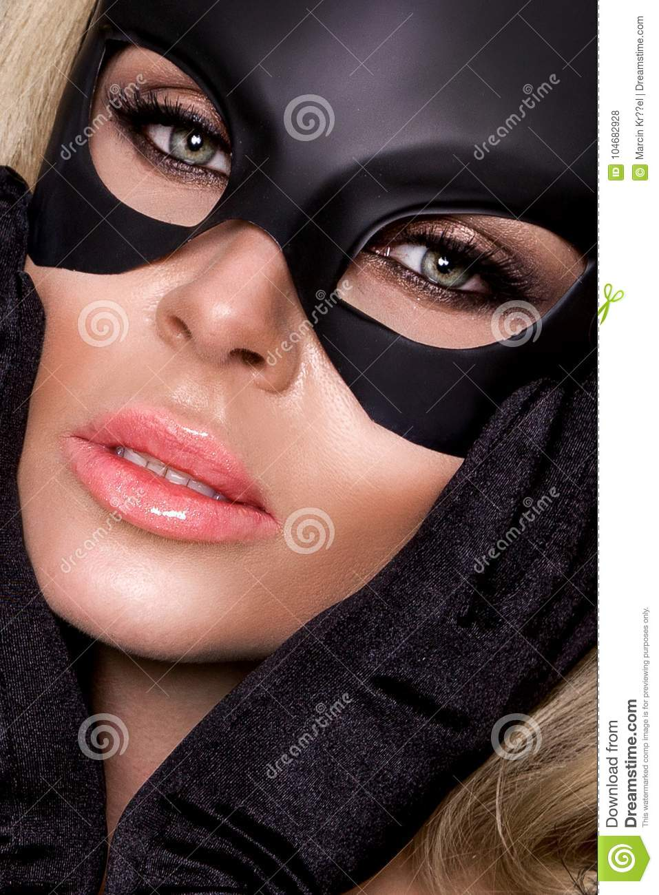 Beauty women: masks for breasts 34
