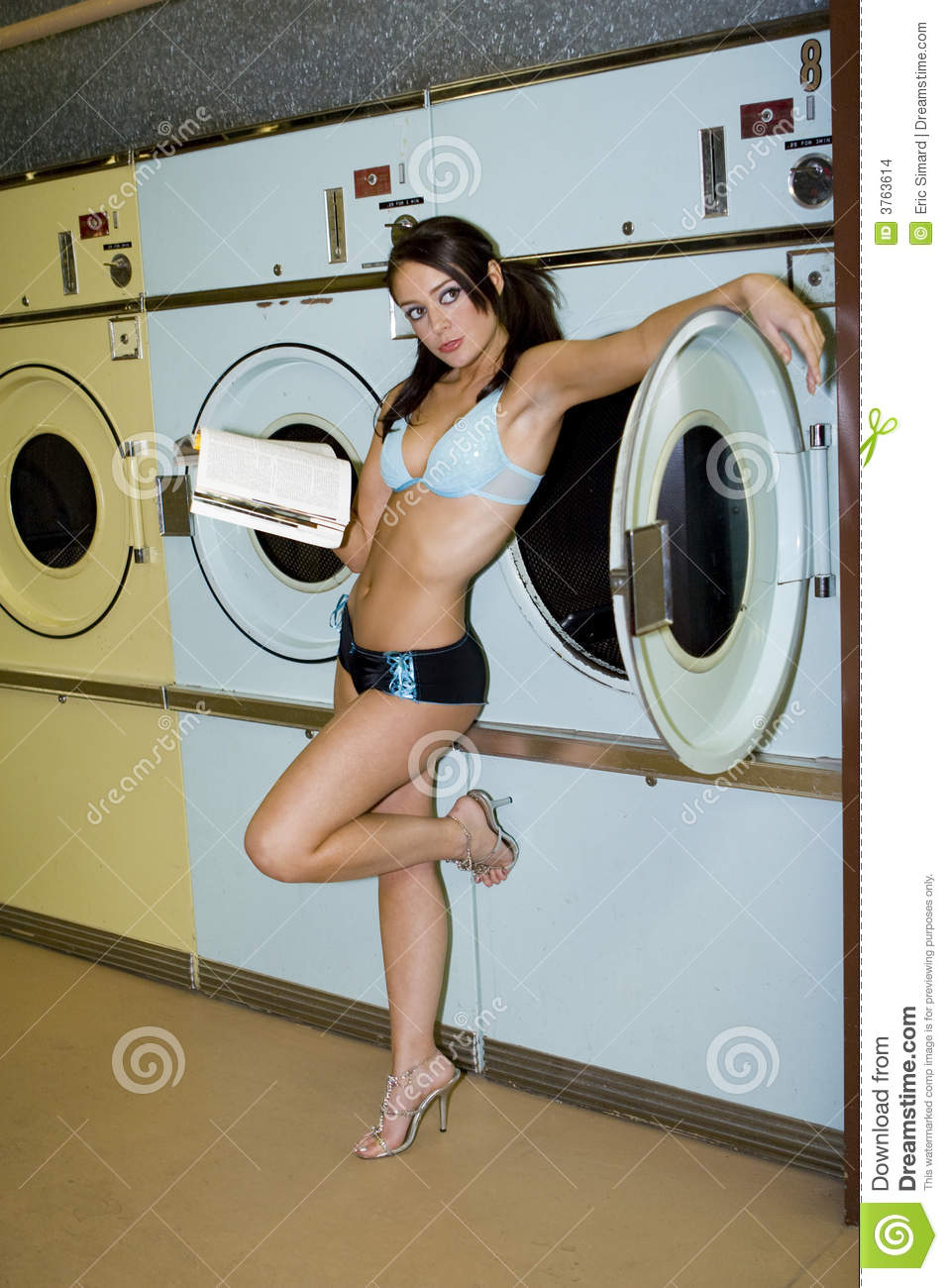 asian girls at laundry