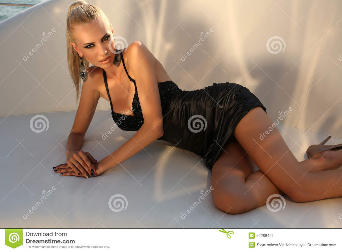 Sexy beautiful elegant woman — Stock Photo © DariYad