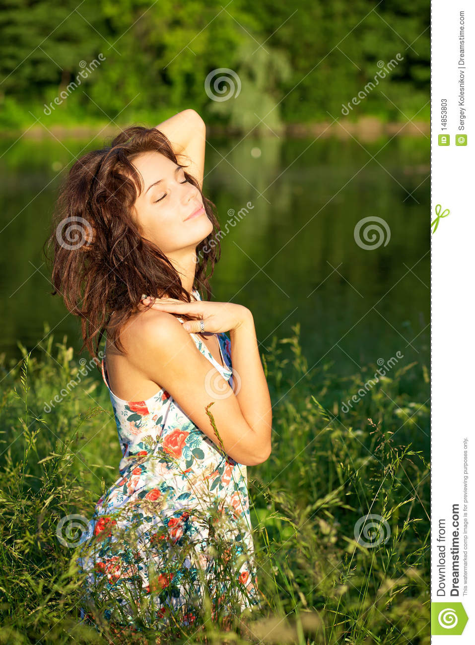 woman posing outdoors