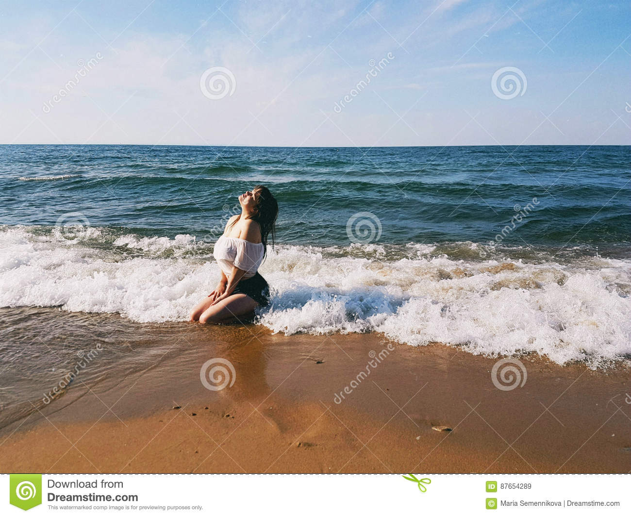 Sexy teens Woman Wet And Naked Beach