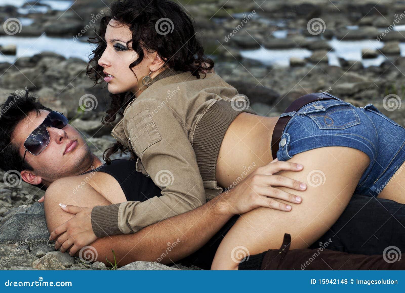 Предаваться любовным утехам 1 фотография
