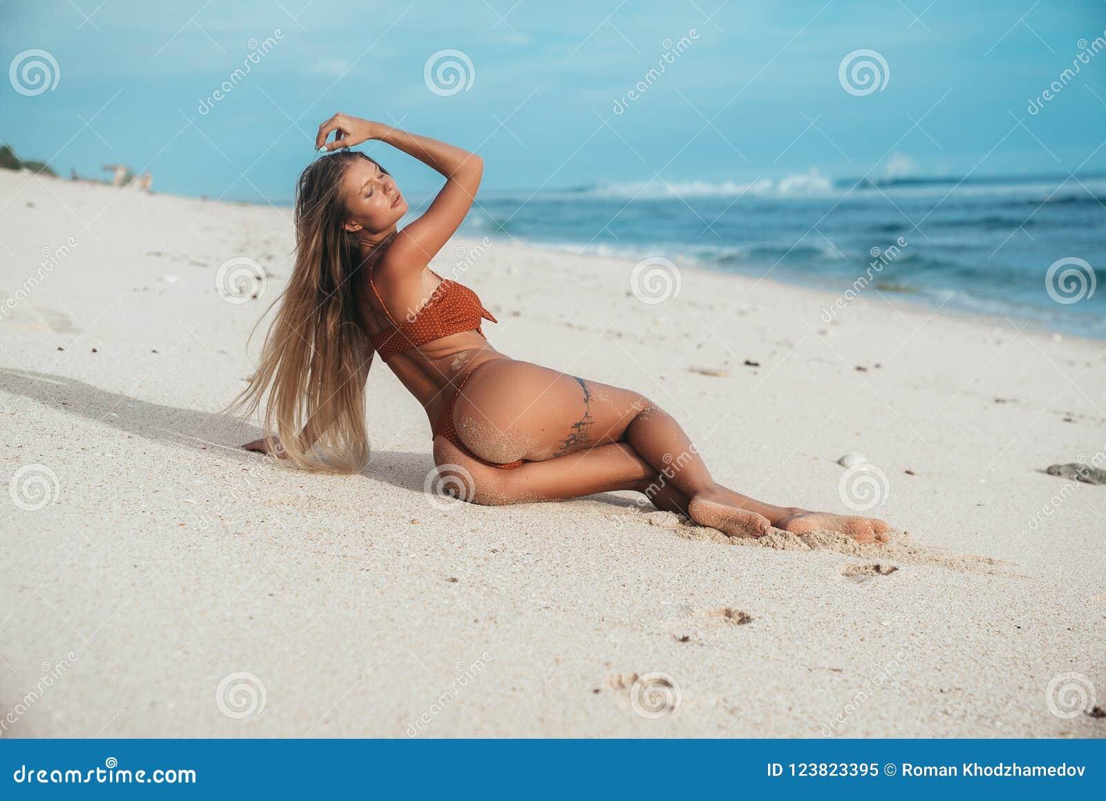 hot women over 40 pics