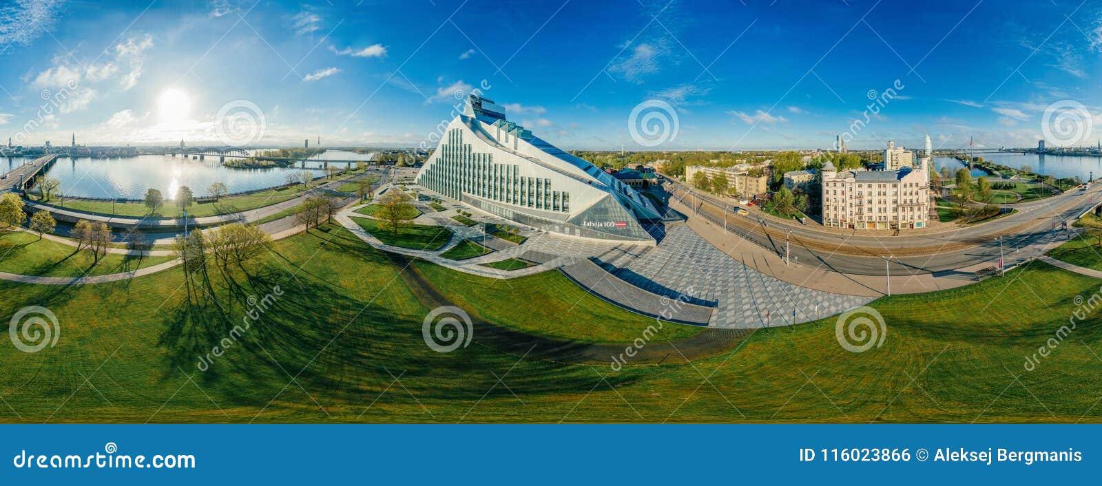 Sfärplanet Bro och arkiv i den Riga staden, Lettland 360 VR surrbild för virtuell verklighet, panorama