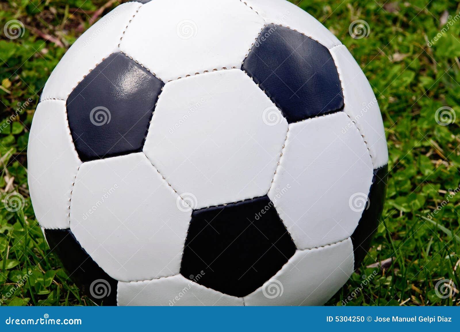 Download Sfera di calcio fotografia stock. Immagine di icona, cuoio - 5304250