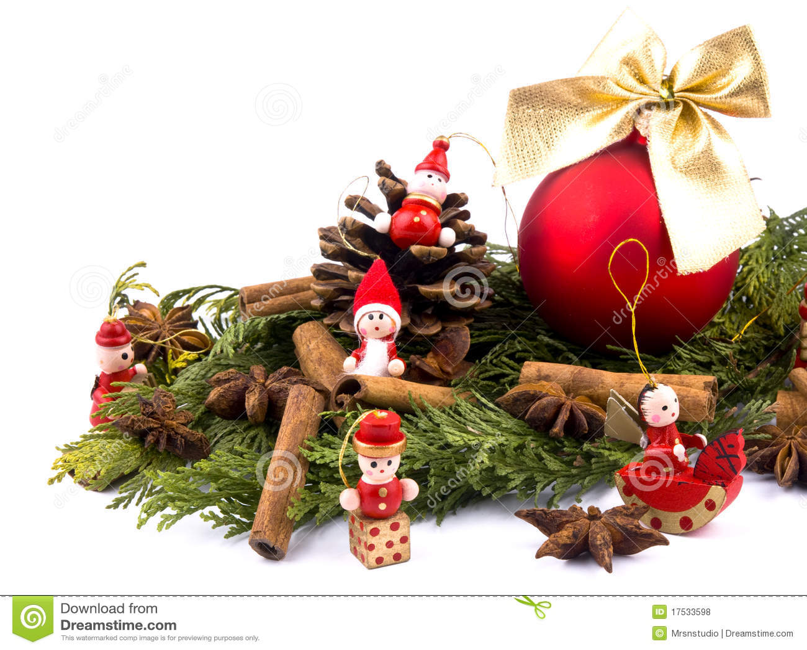 Sfera Di Natale E Figure Di Legno Rosse Fotografia Stock Immagine