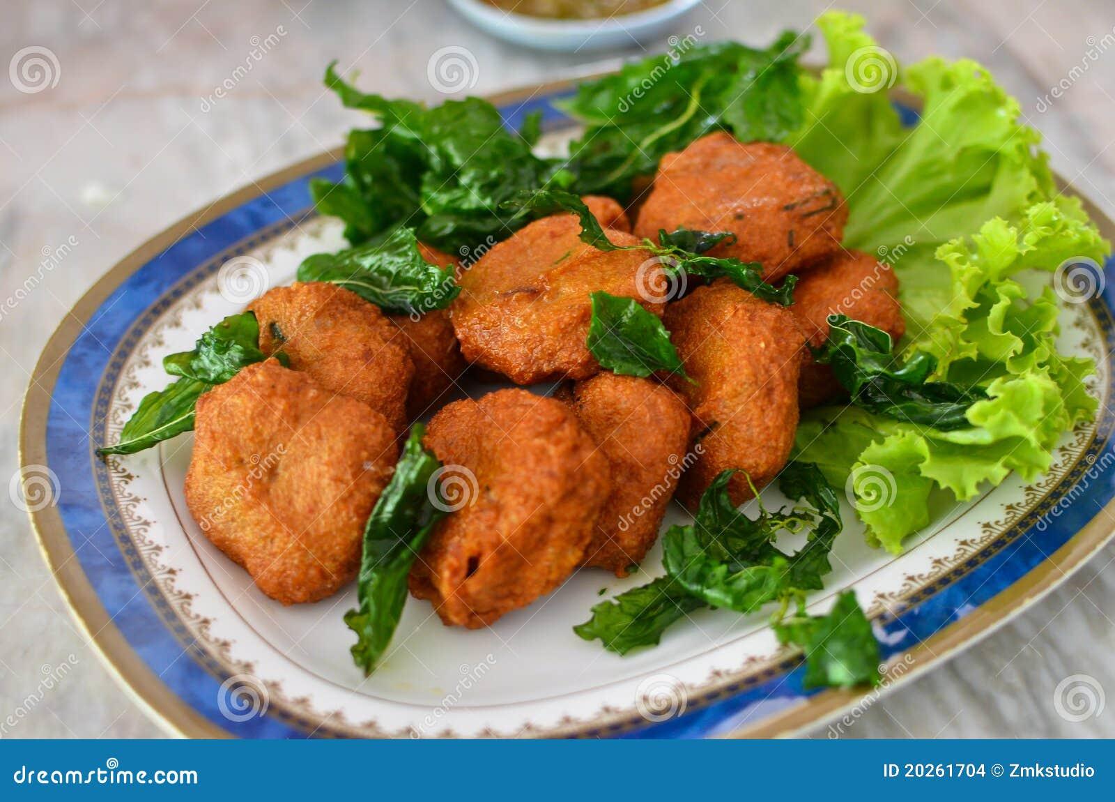 Sfera di pesci fritta piccante