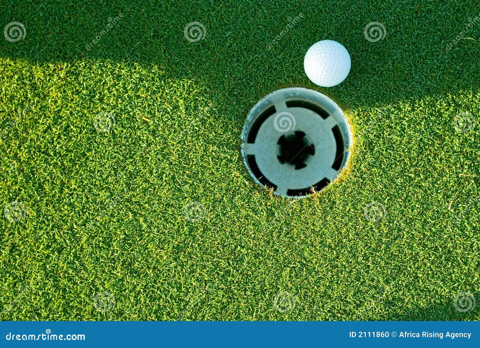 Sfera e foro di golf