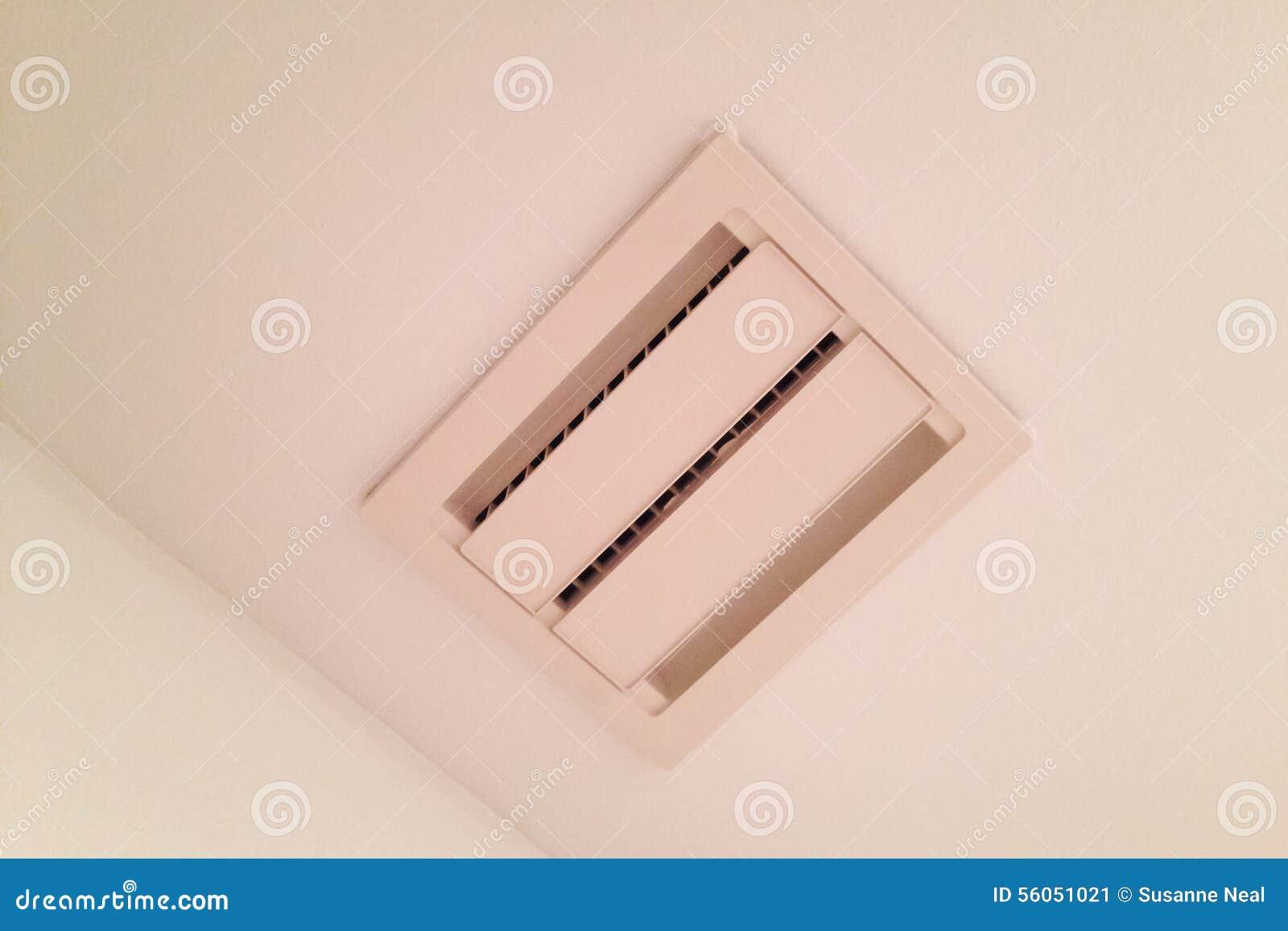 Sfiato del soffitto per l 39 aspiratore del bagno immagine - Aspiratore per bagno silenzioso ...