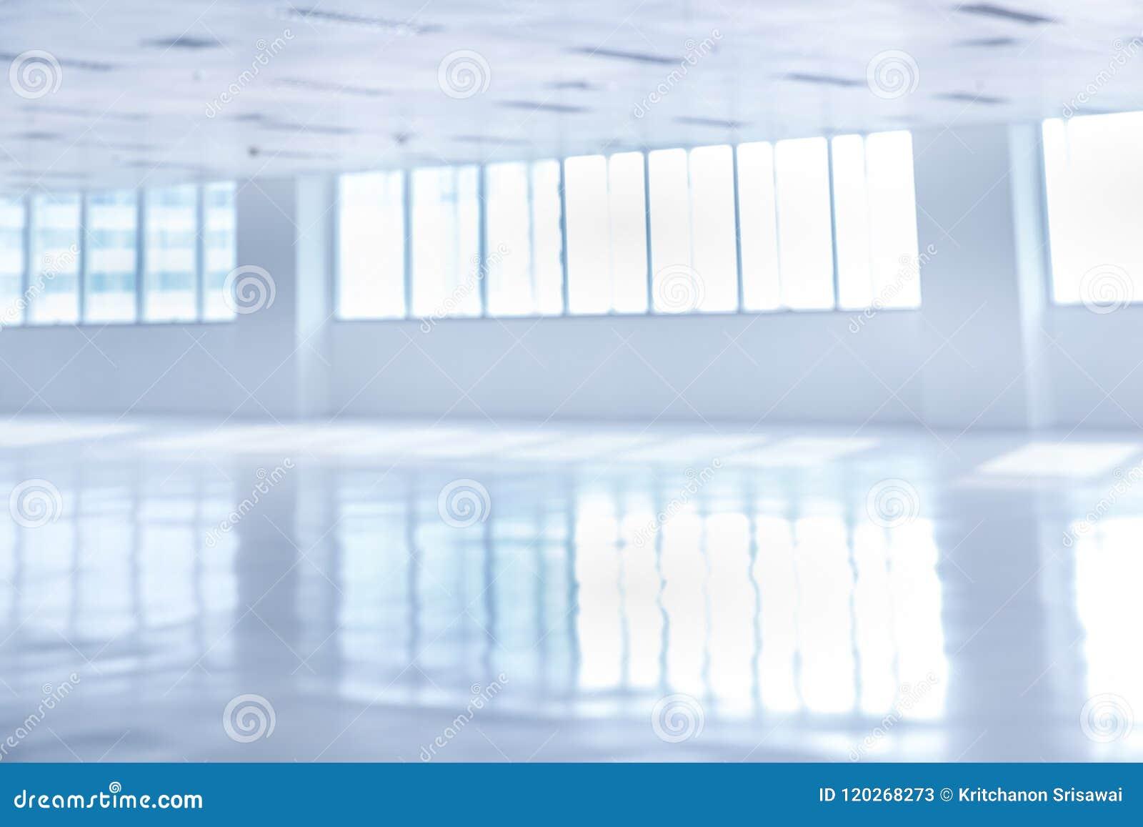 Sfuocatura dell ufficio moderno vuoto
