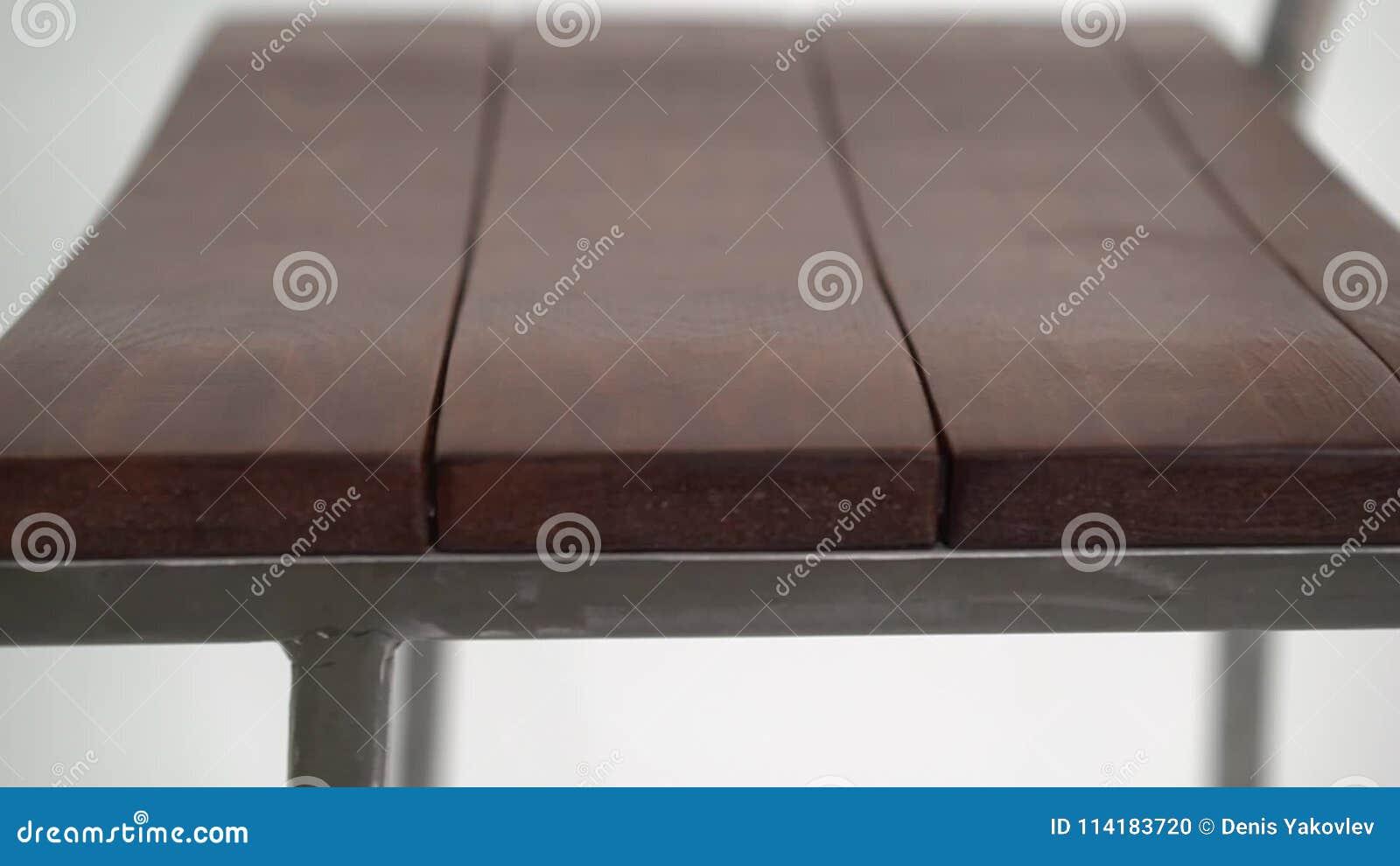 Sgabello da bar d acciaio su fondo bianco stock footage video di
