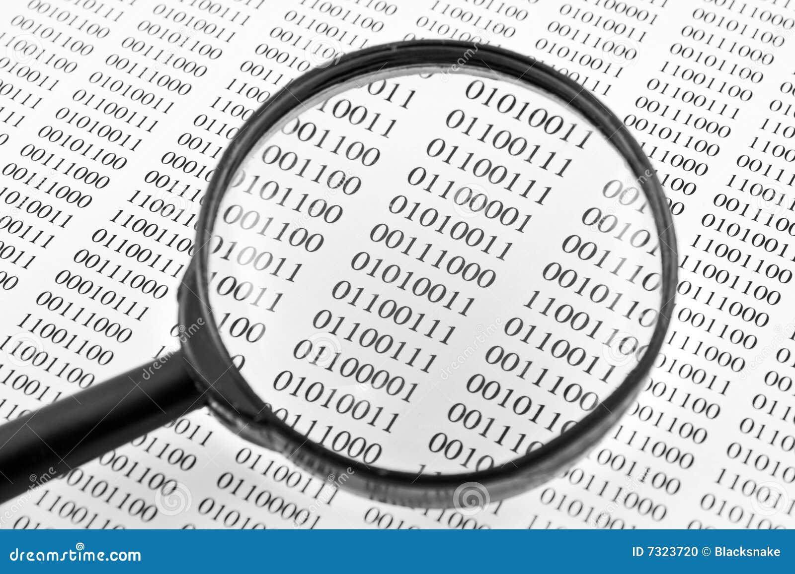 Sguardo binario tramite la lente di ingrandimento o il magnifier