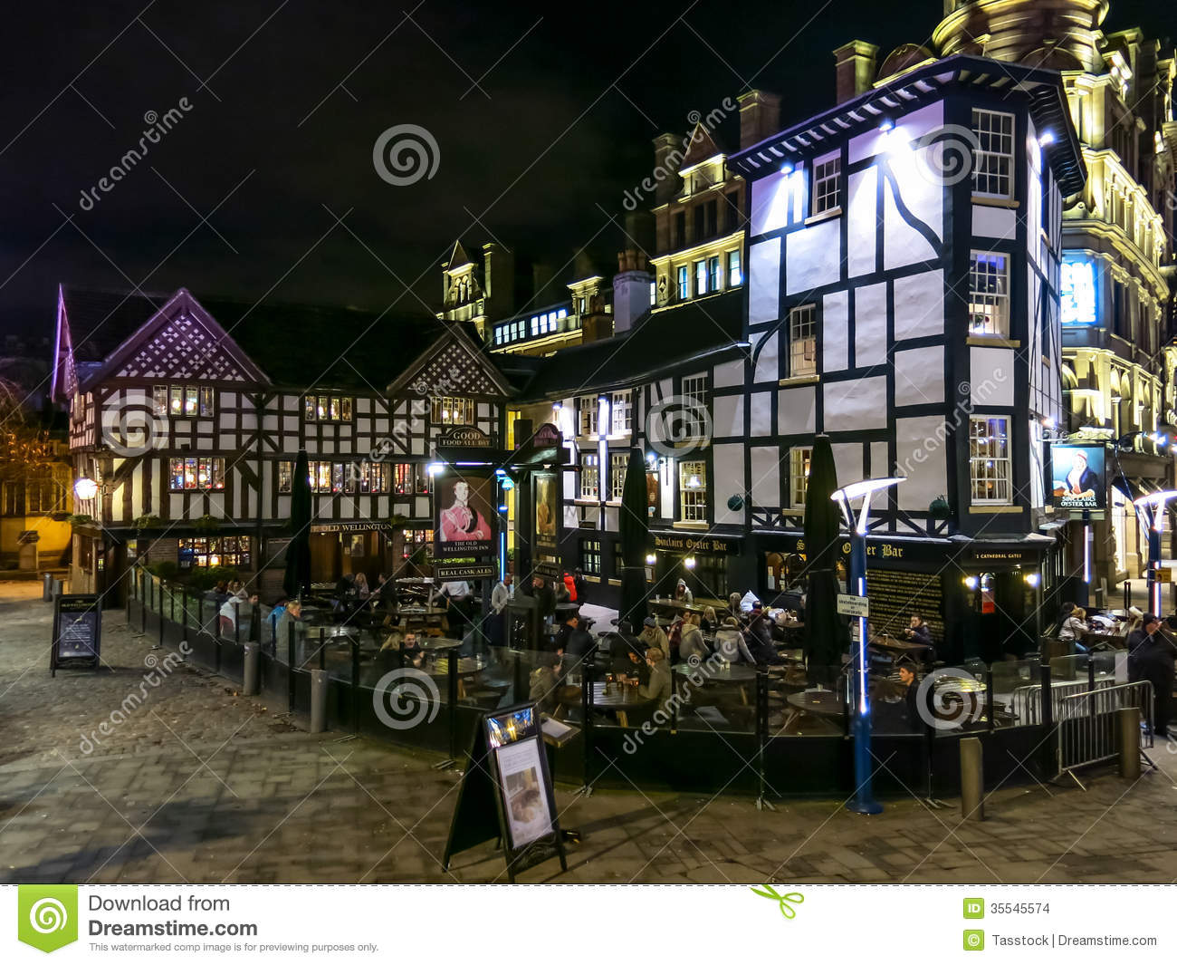 Shambles Square At Night, Manchester, England Editorial ...