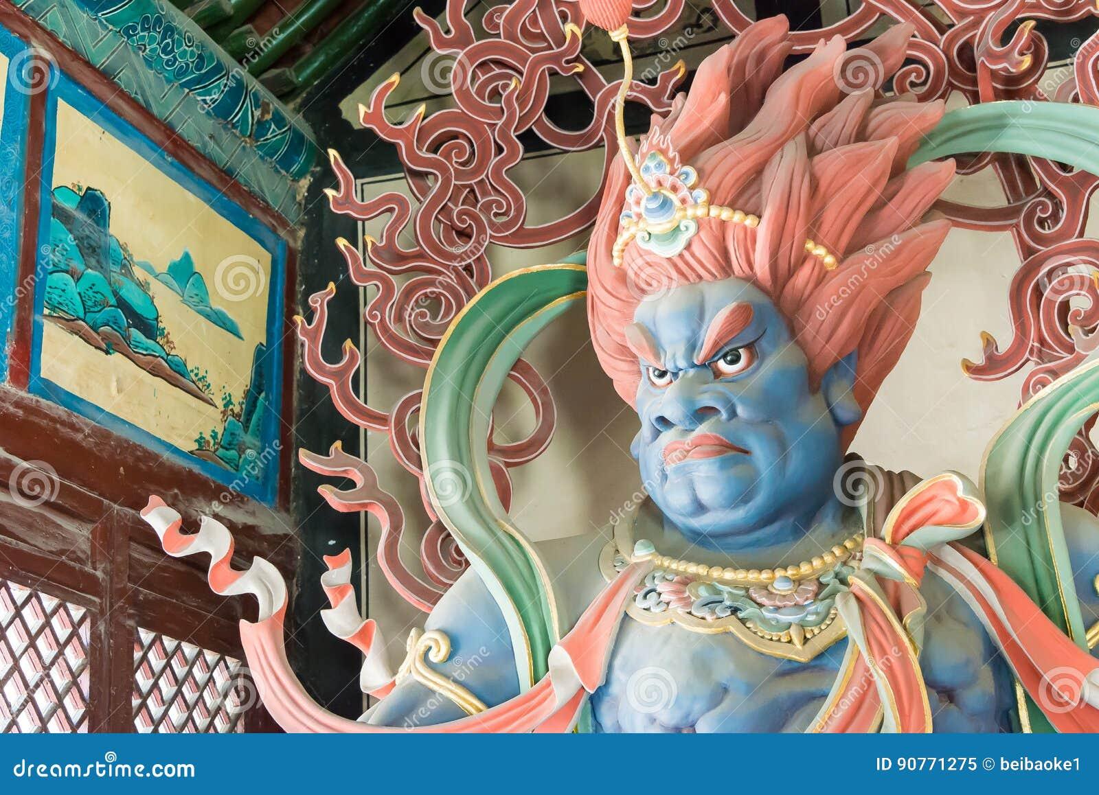 SHANXI, CHINA - Sept 25 2015: Estátuas de Budda no templo de Huayan A