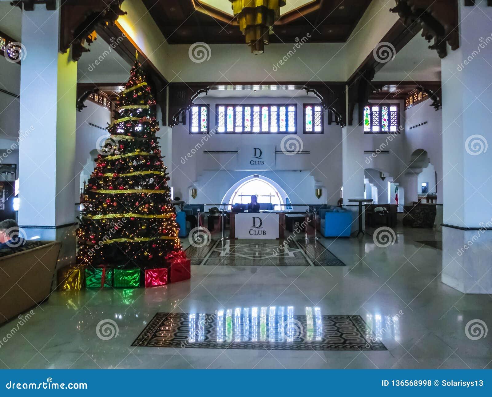 Sharm el Sheikh, Egito - 3 de janeiro de 2019: O lobbi em Domina Coral Bay Resort e TERMAS