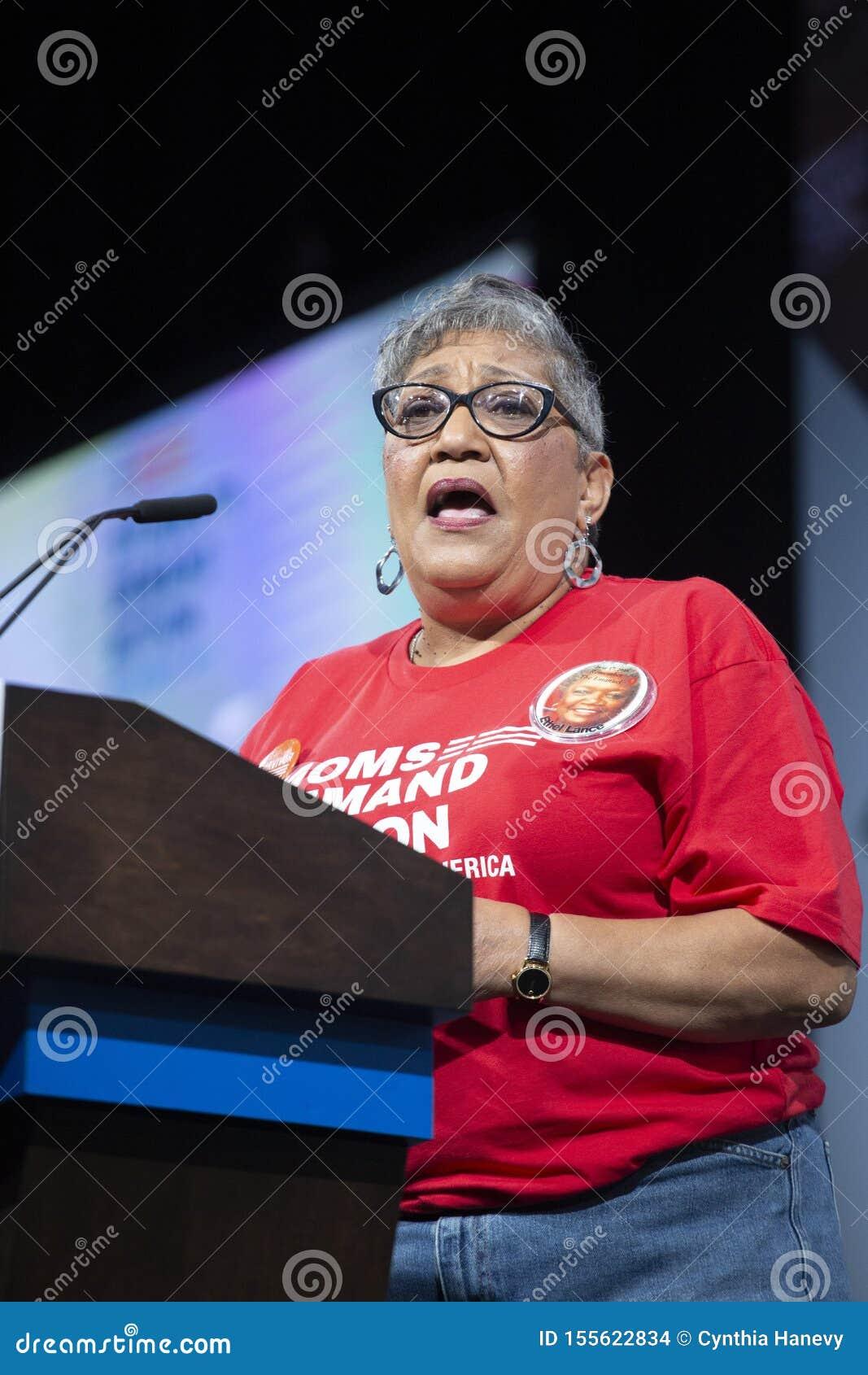 Sharon Risher mówi pokój przy Prezydenckim forum dla Armatniego bezpieczeństwa, Sierpień 10, 2019