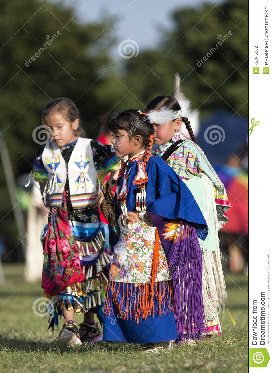 Cherokee For Less >> Shawnee Indian Children At Pow-wow Editorial Photography ...