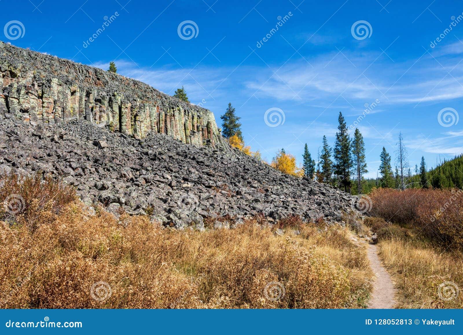 Sheepeater klippor i den Yellowstone nationalparken