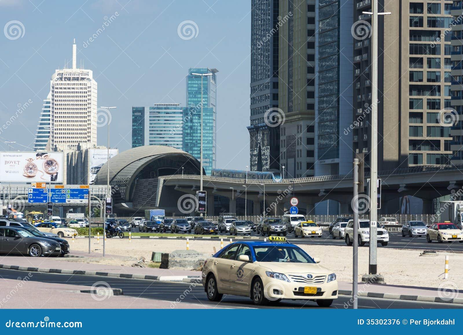 Sheik Zayed road and Metro station