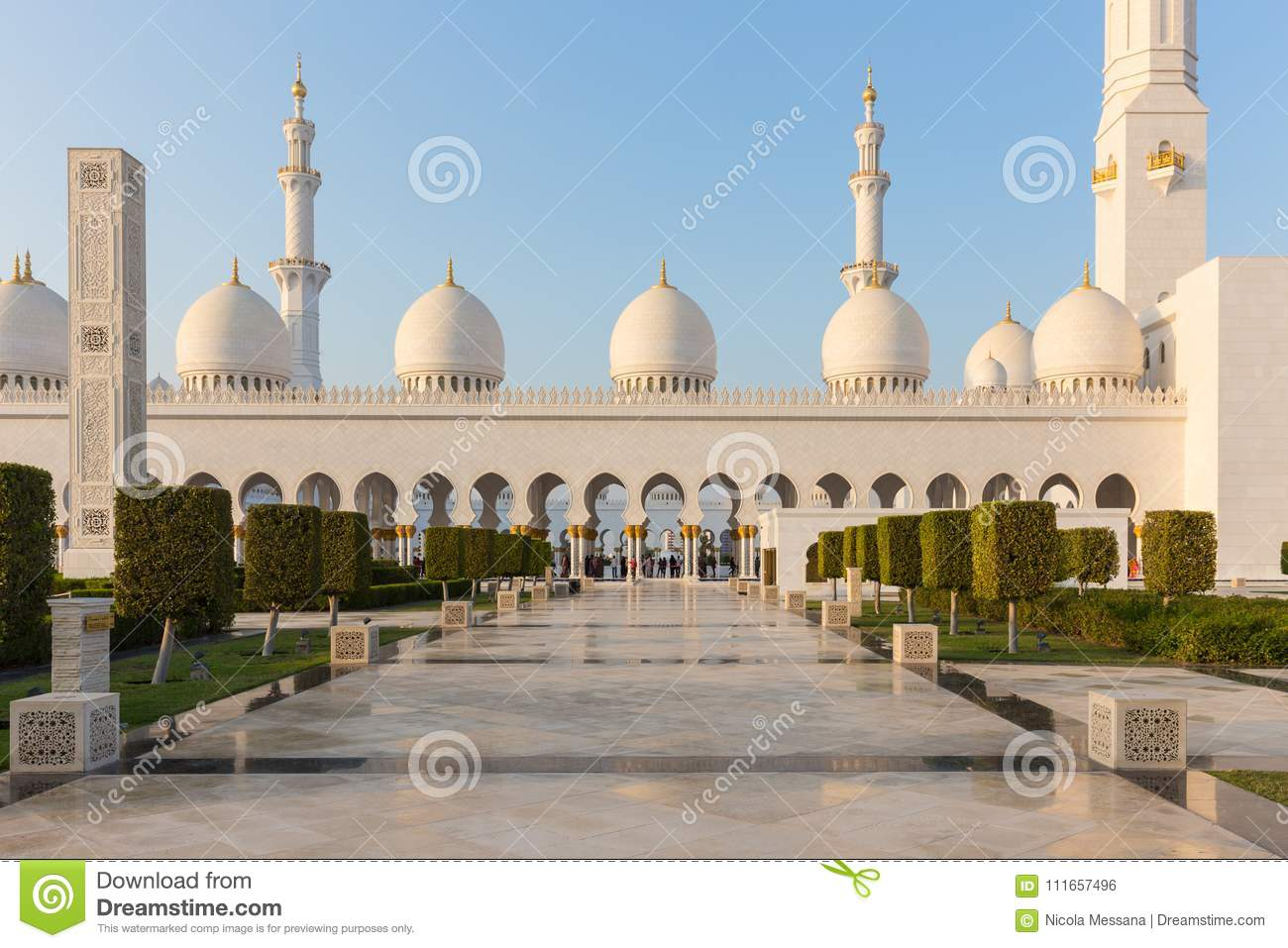 Sheikh Zayed Grand Mosque, Abu Dhabi Editorial Photo - Image