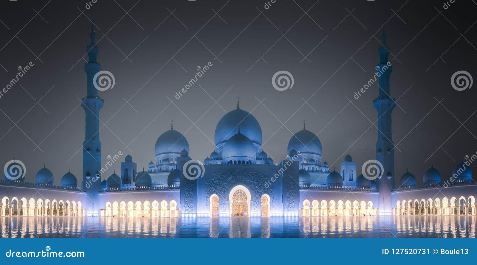 Sheikh Zayed Grand Mosque en la noche Abu Dhabi, UAE