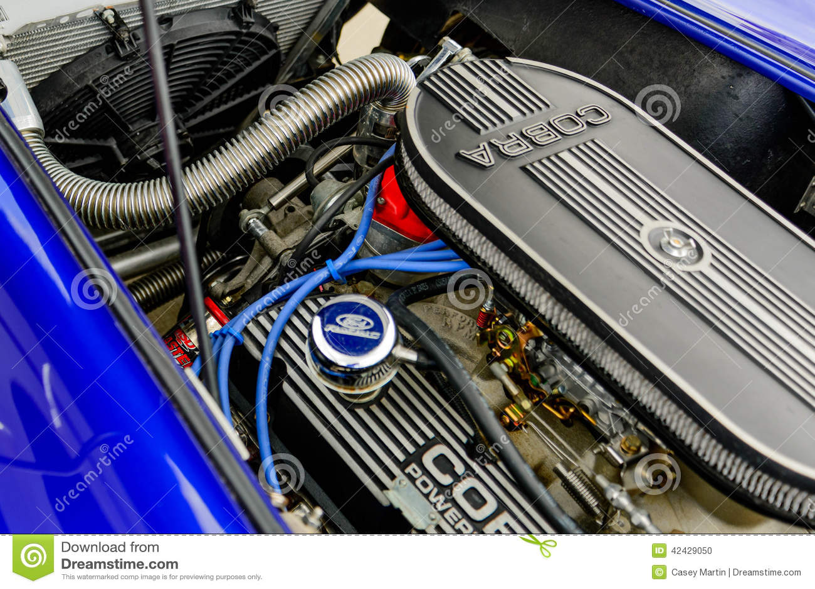 Shelby Cobra completamente restaurada
