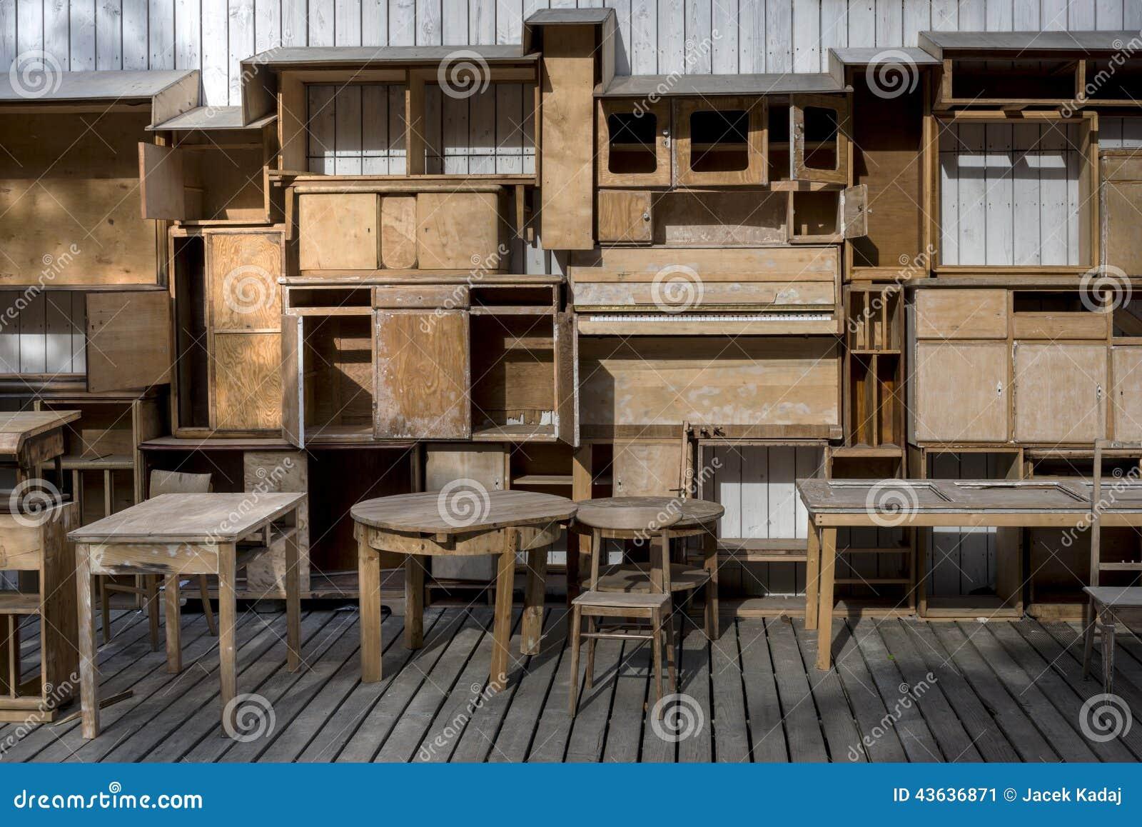 Muebles Viejos Gratis - Shelfs De Madera Vac Os Y Muebles Viejos Del Vintage Foto De [mjhdah]http://www.actualizarmiweb.com/sites/sectorconstruccion-com-ar/publico/image/mueblesusados.jpg
