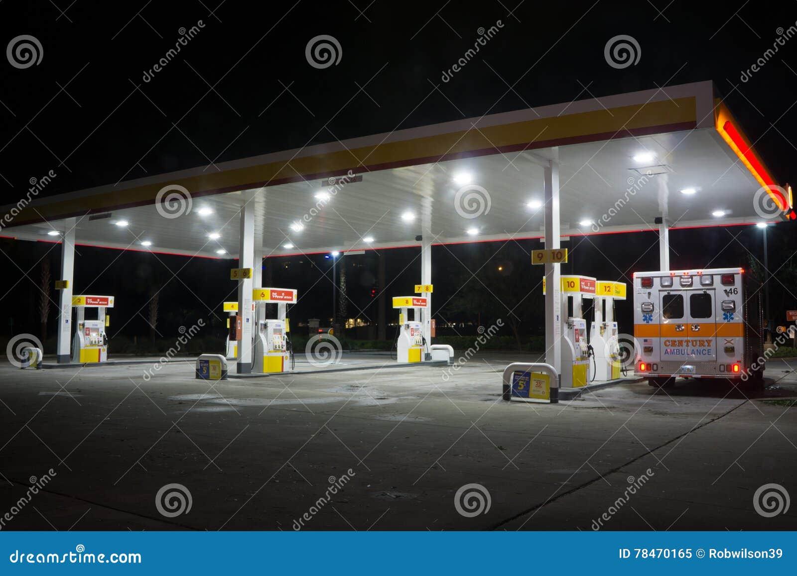 Shell Gas Station bij nacht