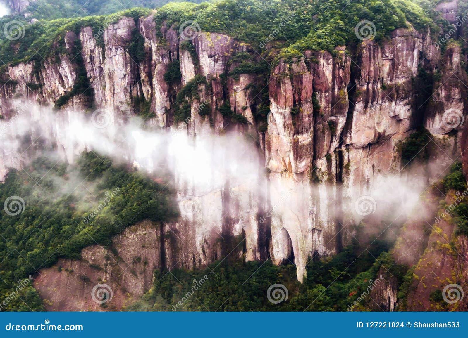 Shenxianju góra z mgła widokiem