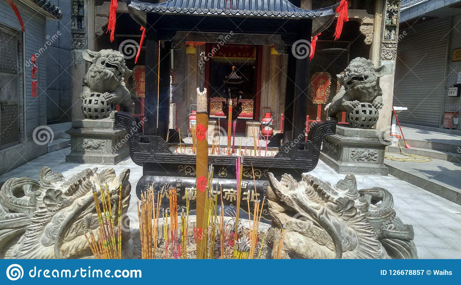 Shenzhen China Burn Incense And Worship Buddha In The Temple Editorial Photography Image Of Traditional Xixiang 126678857
