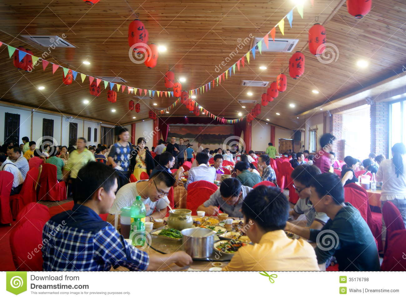 Shenzhen China People In The Restaurant Editorial Stock