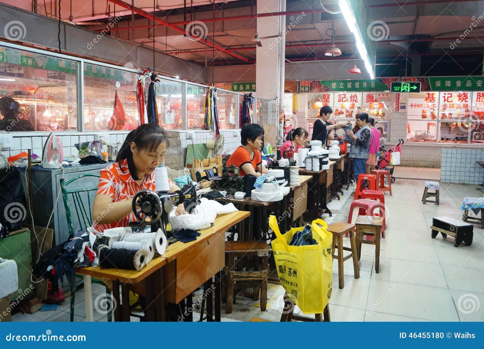 shenzhen chine vieux v tements de r paration de machine coudre image ditorial image. Black Bedroom Furniture Sets. Home Design Ideas
