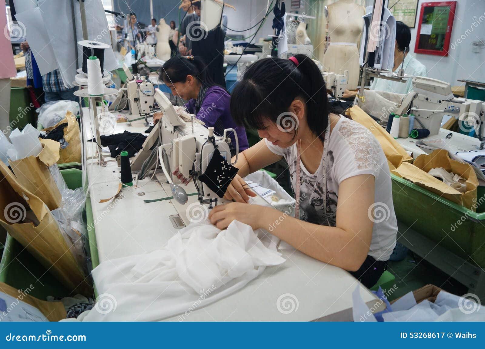Shenzhen, Cina: officina della fabbrica dell indumento