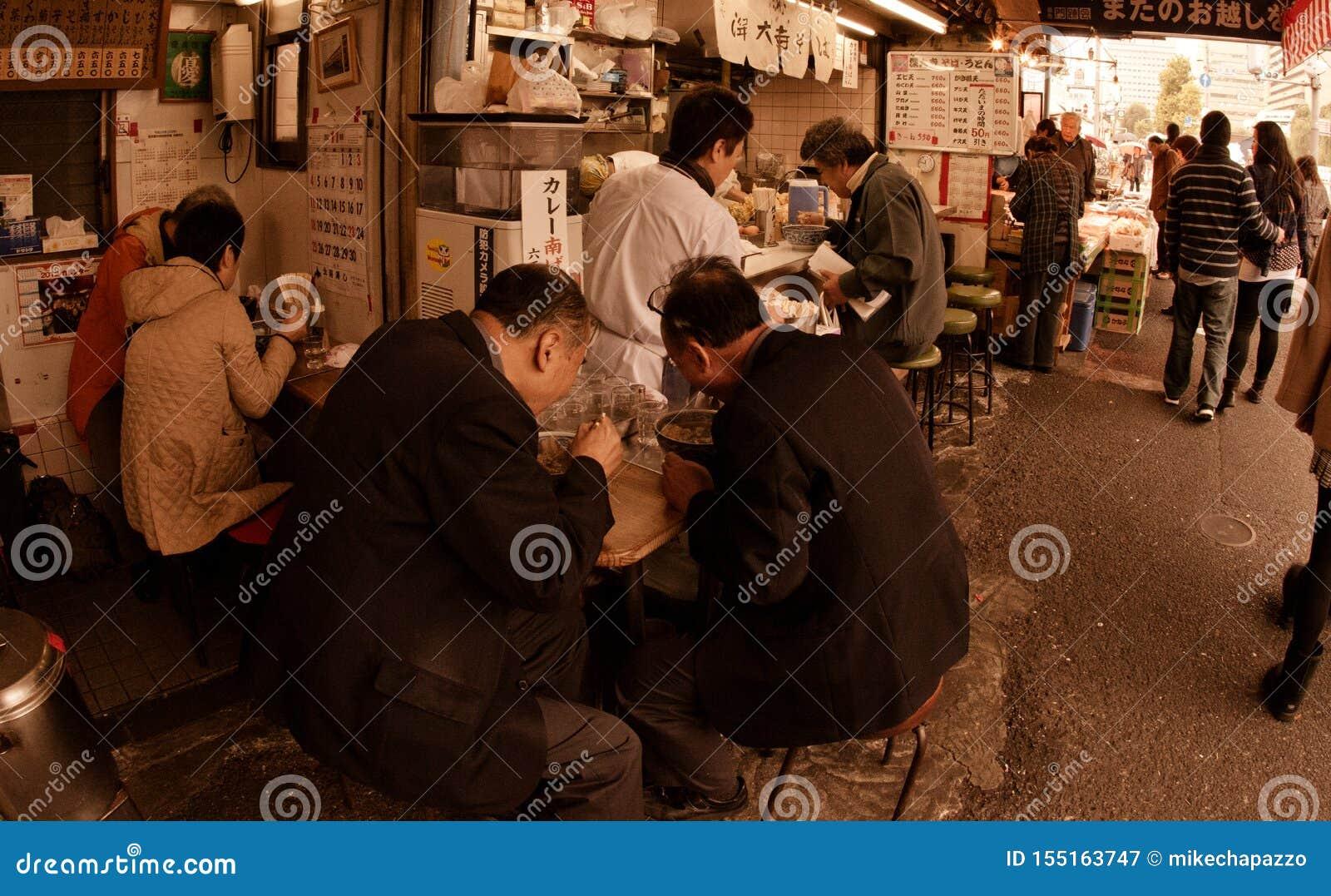 Shibuyafiskmarknaden tidigt på morgonen