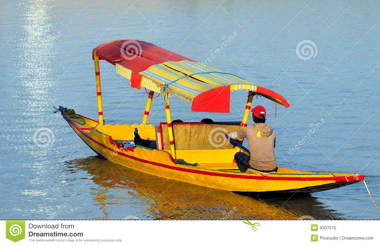 Shikara Boat Royalty Free Stock Photo - Image: 9307075