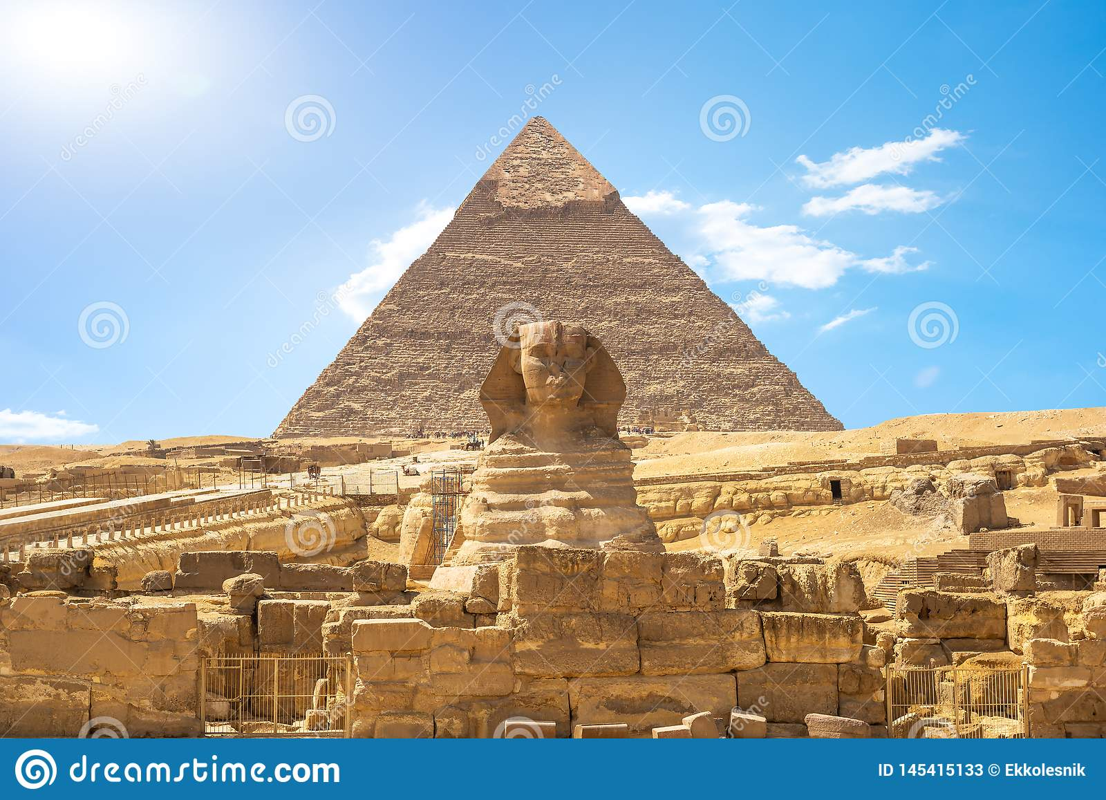 Shinx e pirâmide