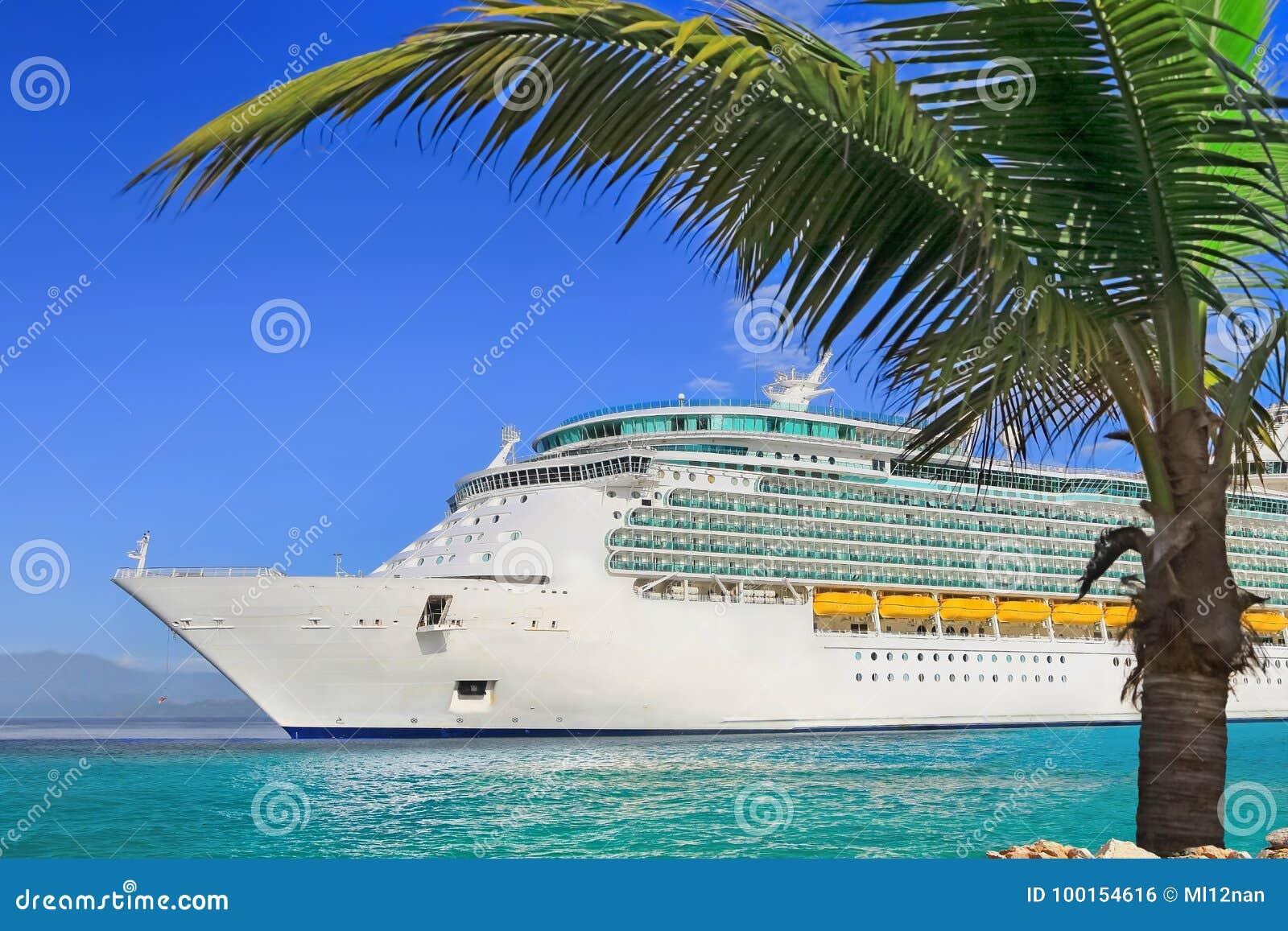 Ship för costakryssningluminosa