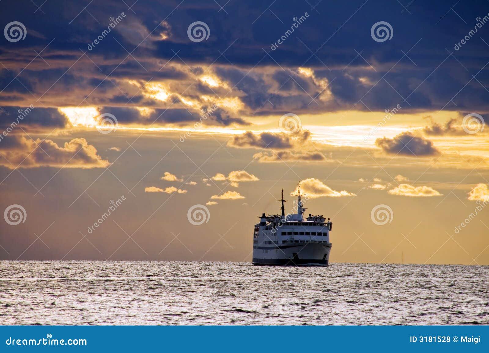 Ship On Sea Royalty Free Stock Photos  Image 3181528