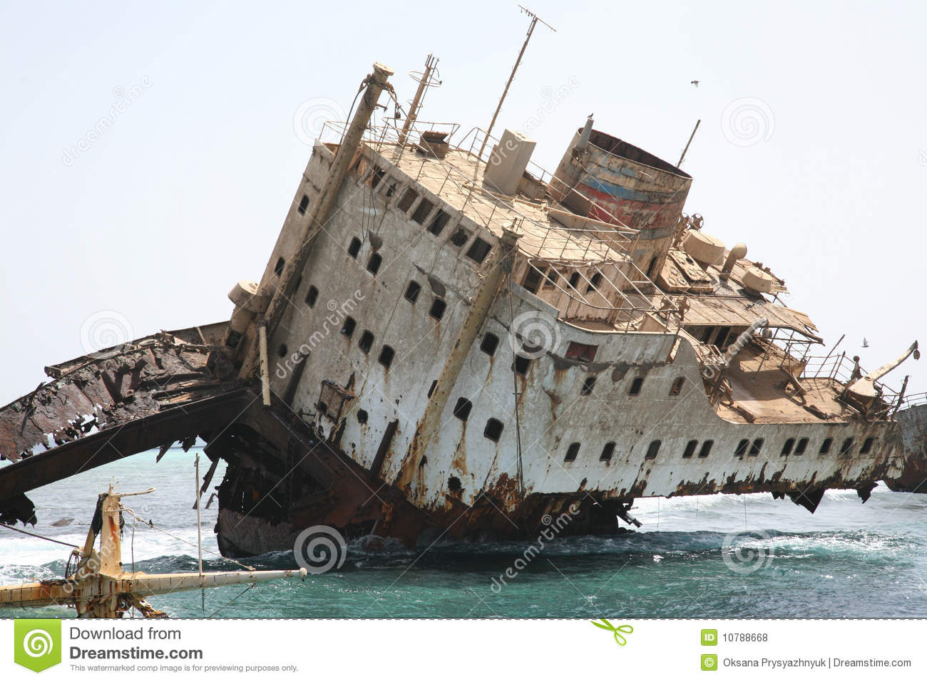 ship wreck in red sea royalty free stock photos image water waves clipart images water waves images clip art