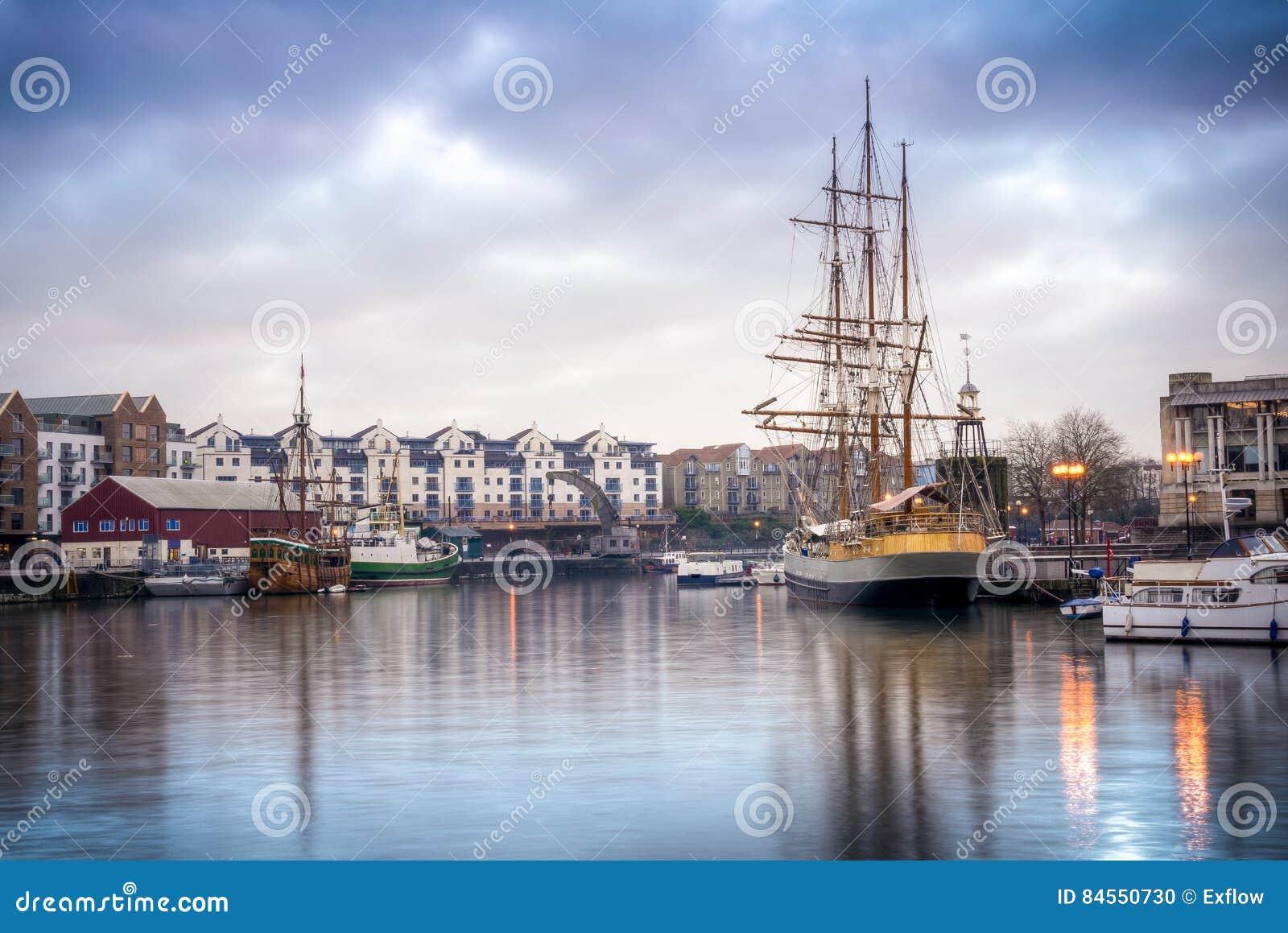 Download Ships docked at Bristol stock photo. Image of bristols - 84550730
