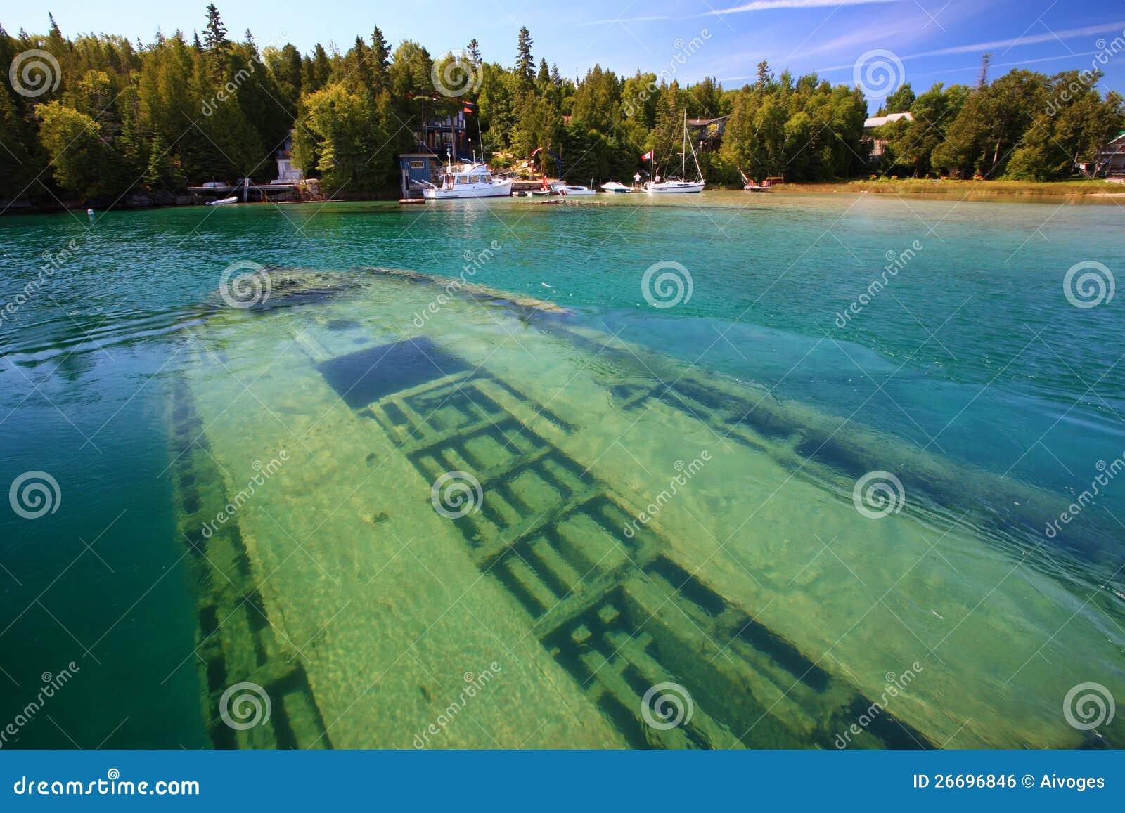 Shipwreck subaquático no lago Huron, Tobermory