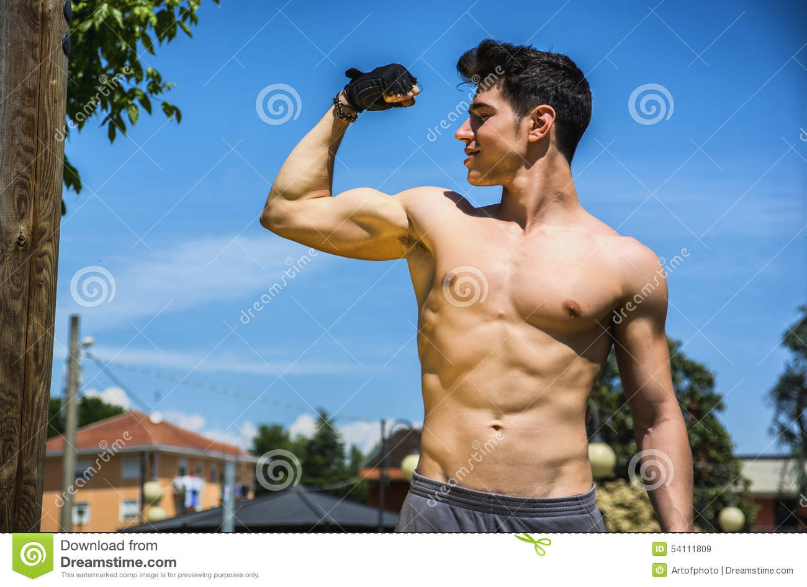 Fallen For Muscular Dude Of His Dreams
