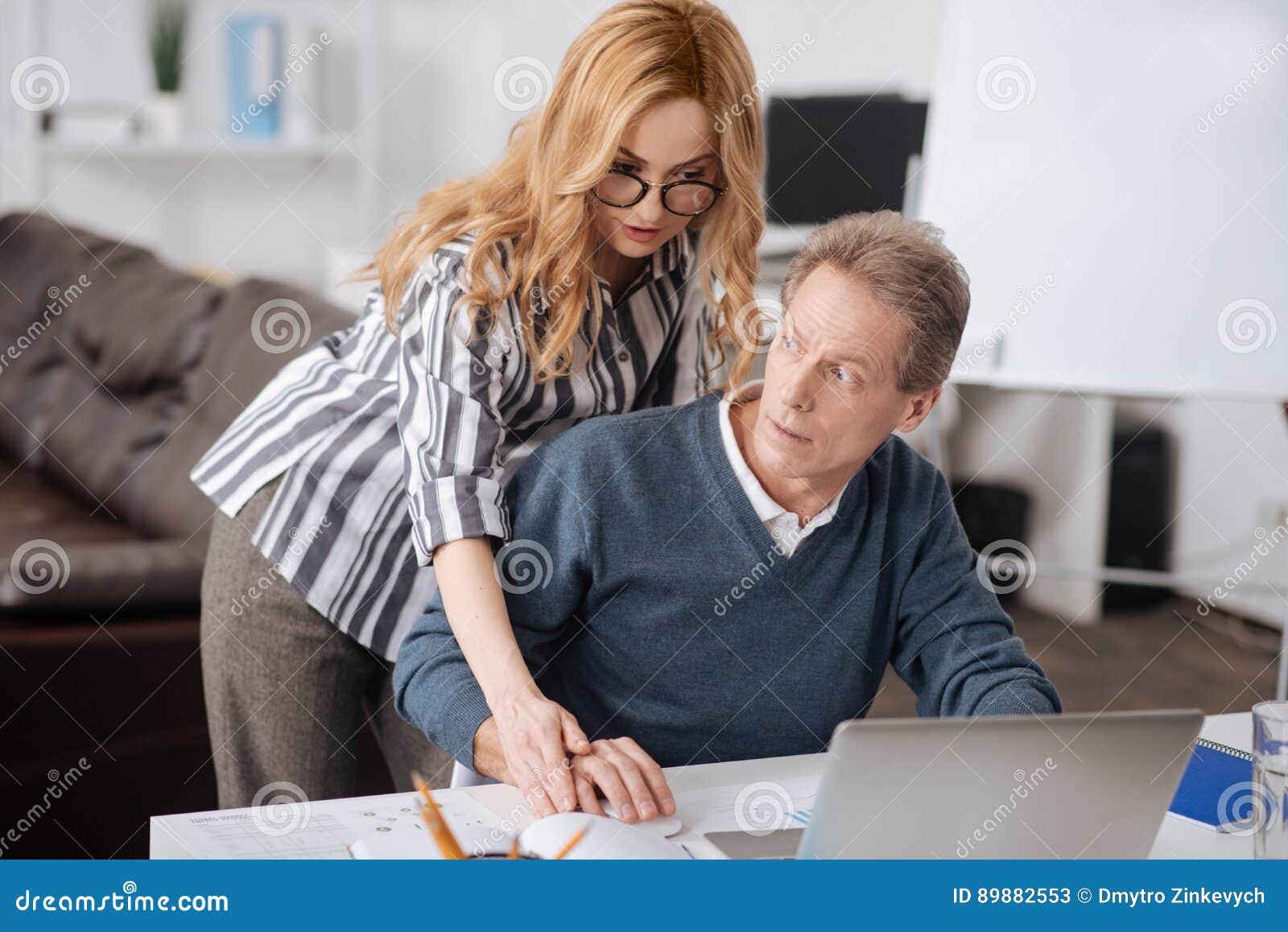 Anale con insulti al marito cornuto - 1 part 10