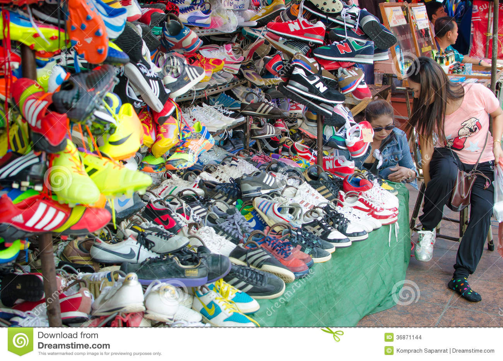 Shoe Shops In Chatuchak Market. Bangkok Thailand ...